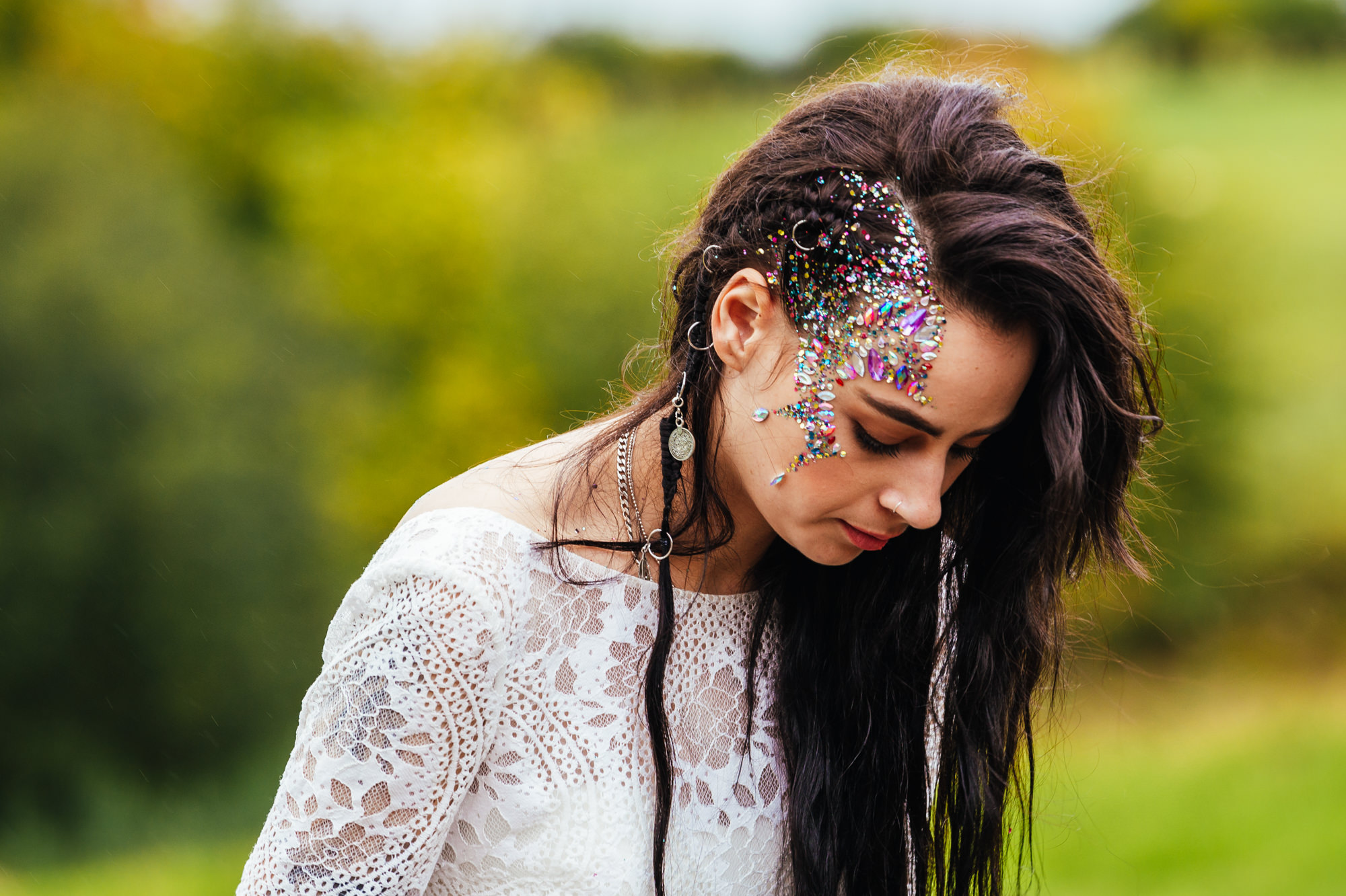 Being yourself on your wedding day - Bride wearing boho dress and glitter on her face at her outdoor wedding